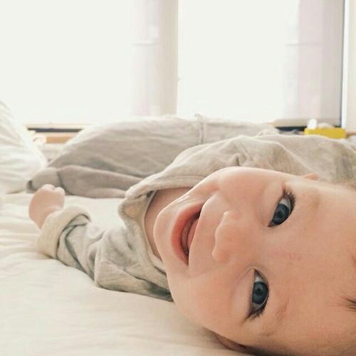 baby-beauty-blackandwhite-boy-favim-com-4795312
