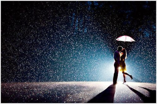 rain-love-cute-couple-boy-favim_com-543941