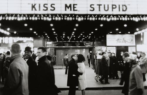 couple-cute-kiss-love-night-romance-favim-com-90825